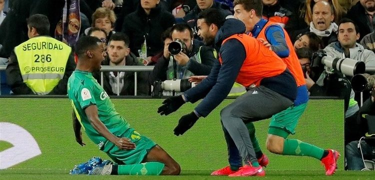 Isak, con dos goles y una asistencia, fue el hombre del partido en el Bernabéu