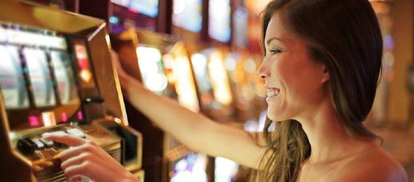 Más mujeres se unen al entretenimiento de los casinos